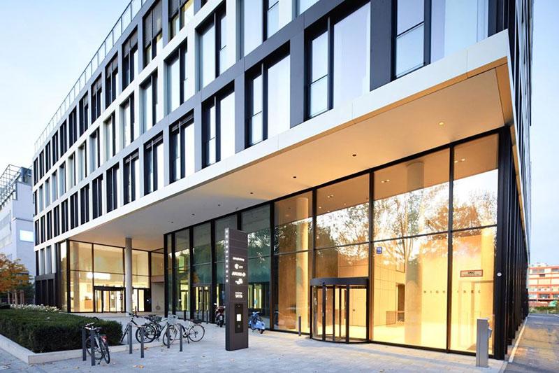 Pano – Brot & Kaffee eröffnet im Highrise One im Münchner Werksviertel
